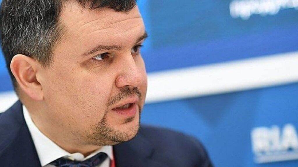 Вице-премьер Максим Акимов: повсеместное распространение блокчейна излишне