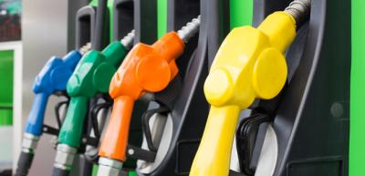 Розничные цены на бензины и дизельное топливо повысились