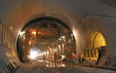 Порошенко открыл Бескидский железнодорожный тоннель