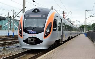 Укрзализныця повысила тарифы на пассажирские перевозки