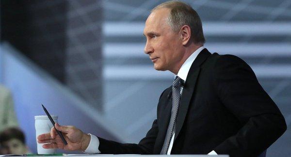 Путин обвинил правительство в резком росте цен на бензин