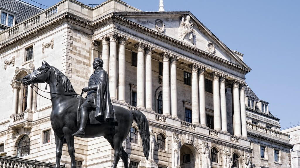 Банк международных расчётов: криптовалюты не заменят традиционные деньги и могут обрушить интернет