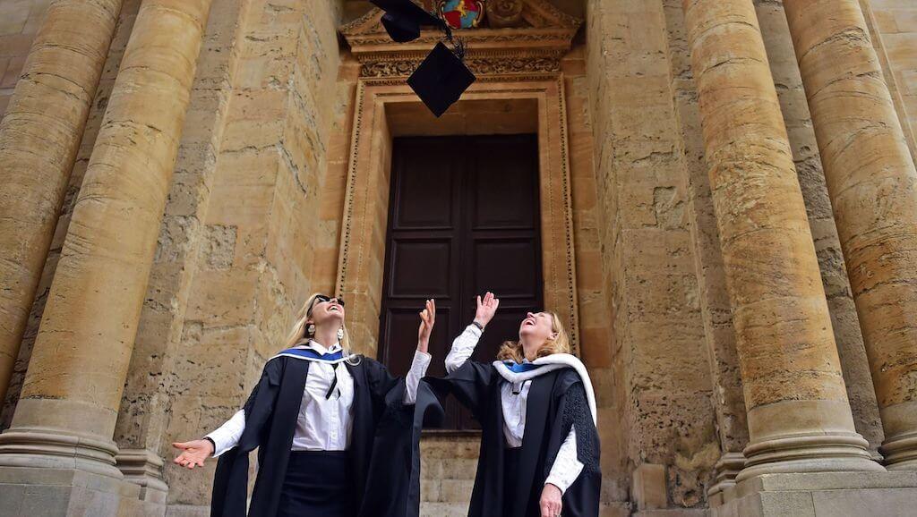 Профессора из Оксфордского университета создадут первый ВУЗ на блокчейне