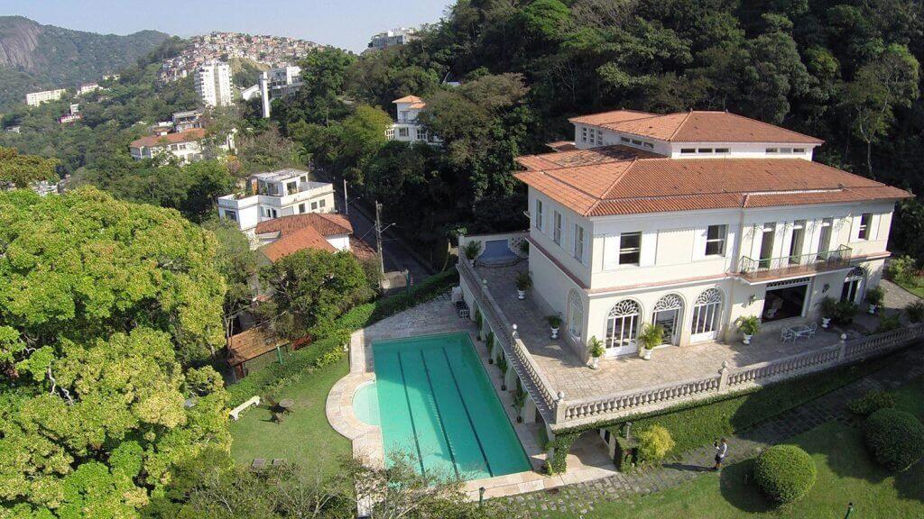 Растём: в Черногории продали дома на 420 биткоинов
