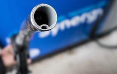 За неделю цены на бензин выросли на 50 копеек
