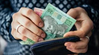 Стало известно, сколько людей в Украине живут на минимальную зарплату
