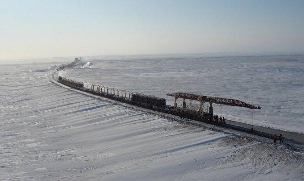 Дмитрий Кобылкин сообщил о подписании распоряжения, обуславливающим начало концессии для строительства СШХ