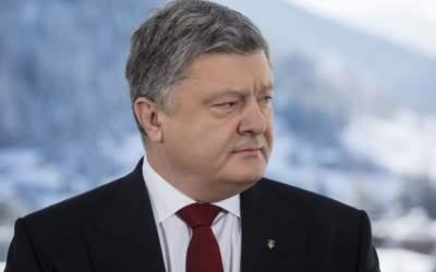 Банк ВТБ угрожает Порошенко судом