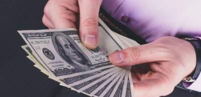 Украинцы увеличили объемы покупки валюты