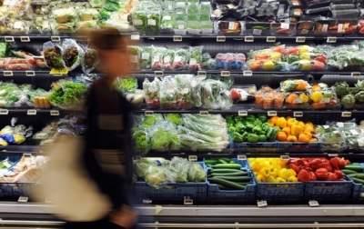 По данным Госстата, на питание украинцы тратят 50% всех расходов