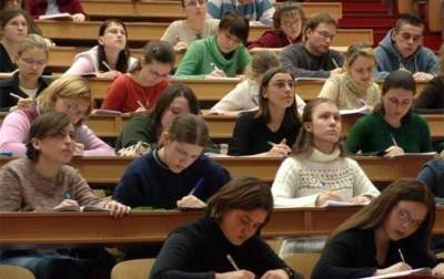 Студентам повысили именные стипендии