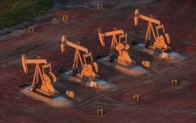 «Черное золото» продолжает дешеветь