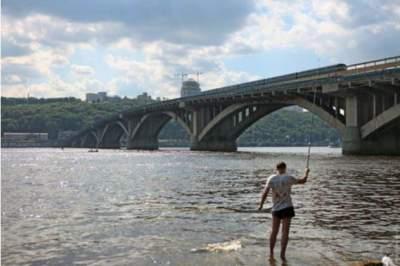 В Киеве за 1,8 млрд грн отремонтируют мост Метро
