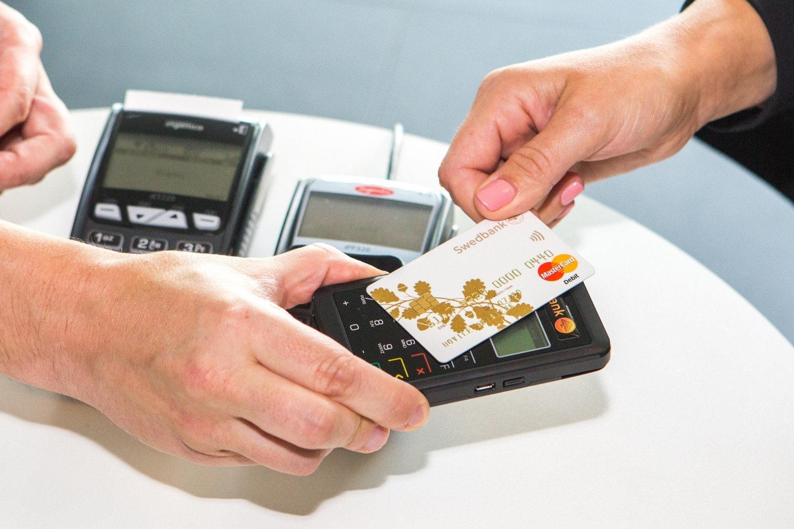 На что обращать внимание при выборе кредитной карты?
