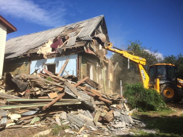 Демонтаж домов и зданий  – качественно и оперативно